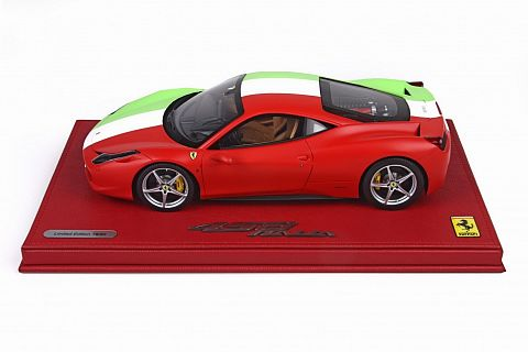 ferrari modelisme ferrari 1 18 bbr photos de la ferrari 458 italia italian flag 1 18. Black Bedroom Furniture Sets. Home Design Ideas