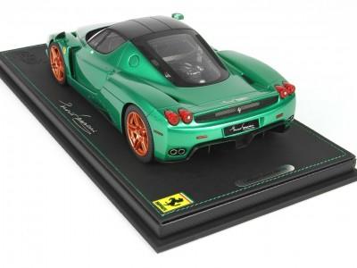 Ferrari_Enzo_P18134MG_oi517c5a71391fc9f9