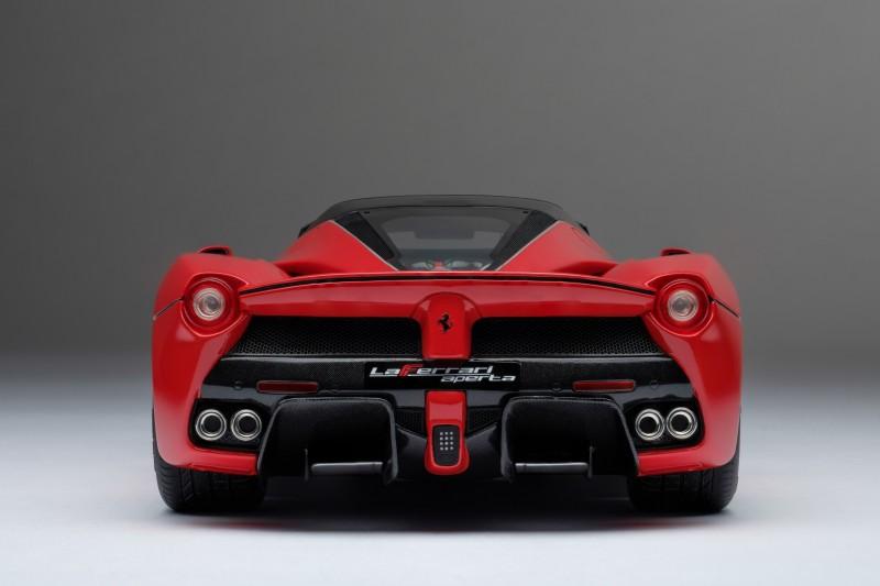 Ferrari_LaFerrari_Aperta_Amalgam_M5905_c5ce5bb64a3146302.jpg