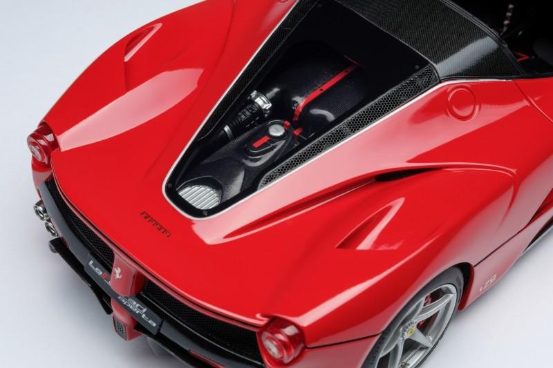 Ferrari_LaFerrari_Aperta_Amalgam_M5905_lkjlke4761348e106c260.jpg