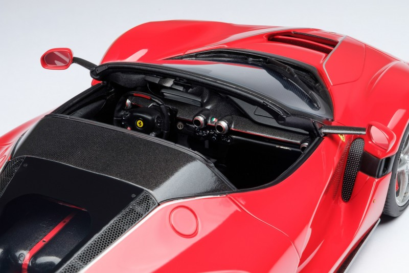 Ferrari_LaFerrari_Aperta_Amalgam_M5905_okoc027668324b6ec86.jpg