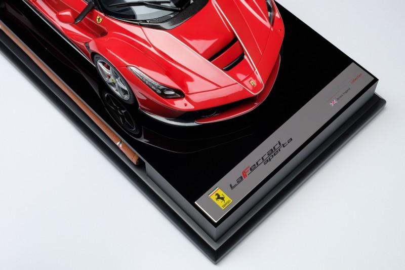 Ferrari_LaFerrari_Aperta_Amalgam_M5905_uhudf07bb2ea3a2671cb.jpg