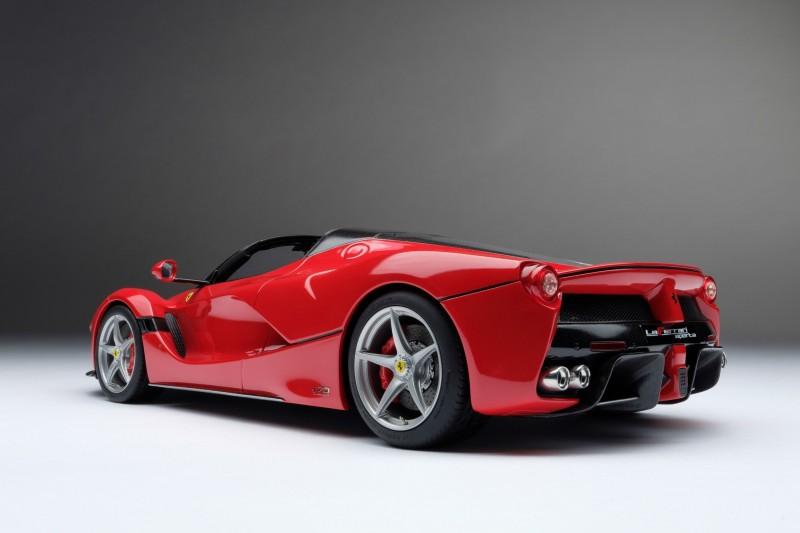 Ferrari_LaFerrari_Aperta_Amalgam_M5905_uiy6dcaa09ed07d54f8.jpg