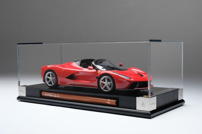 Ferrari_LaFerrari_Aperta_Amalgam_M5905_uyg35d53b0465a95bd4.jpg