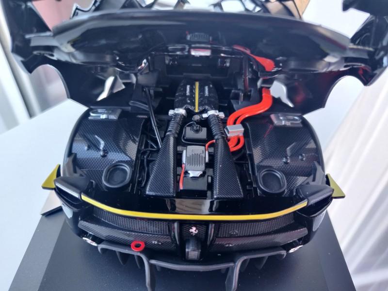 Ferrari_FXXK_Tributo44_Rosso18-31a779f58d963a60b.jpg